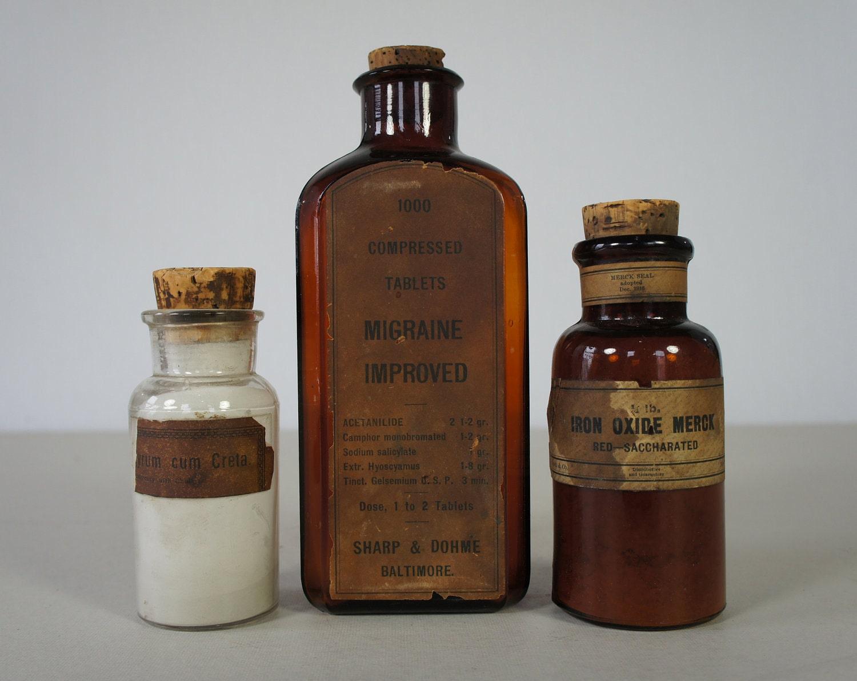 Винтаж конце 1800 / начале 1900-х Янтарный Аптекарь банки - ртуть Cum Creta, Merck Оксид железа и 1000 таблетки сжатого Мигрень