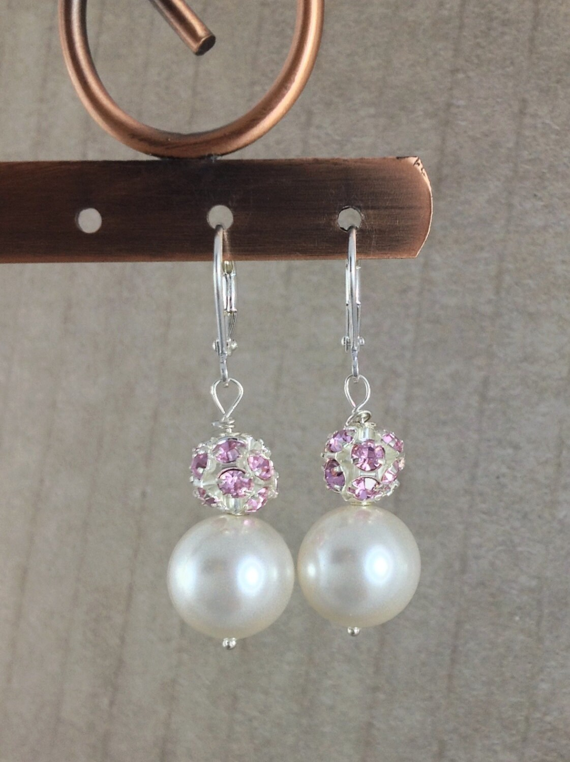 White pearl and pink rhinestone earrings on silver leverback. Handmade white Swarovski pearl earrings with pink Egyptian crystal rhinestones - GemsByKelley