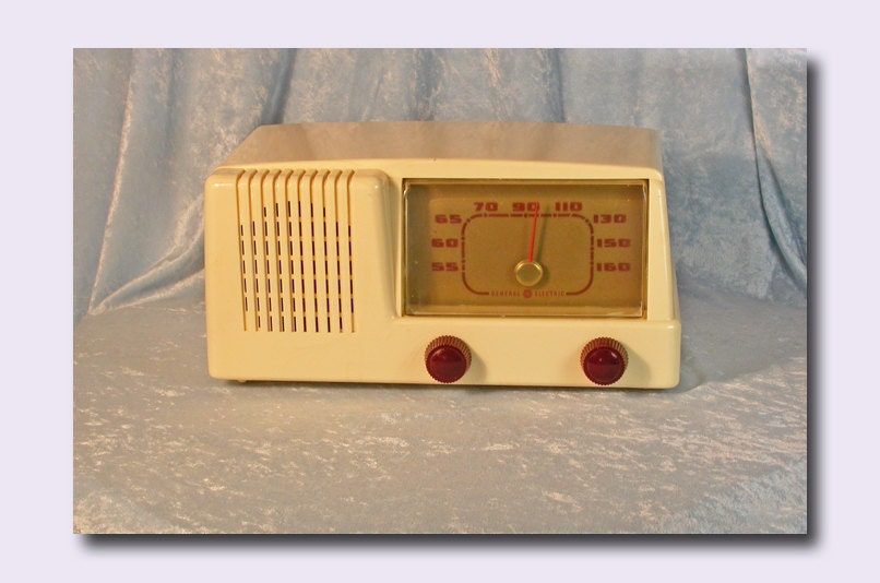 ge radio red knobs plastic