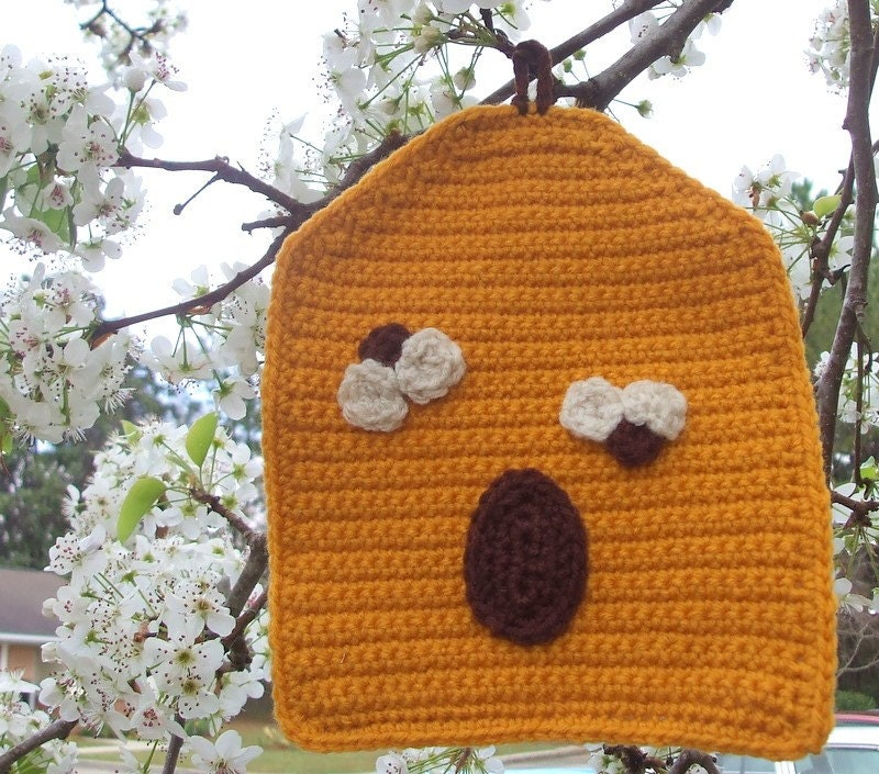 Beehive Potholder, crocheted, with cloth backing