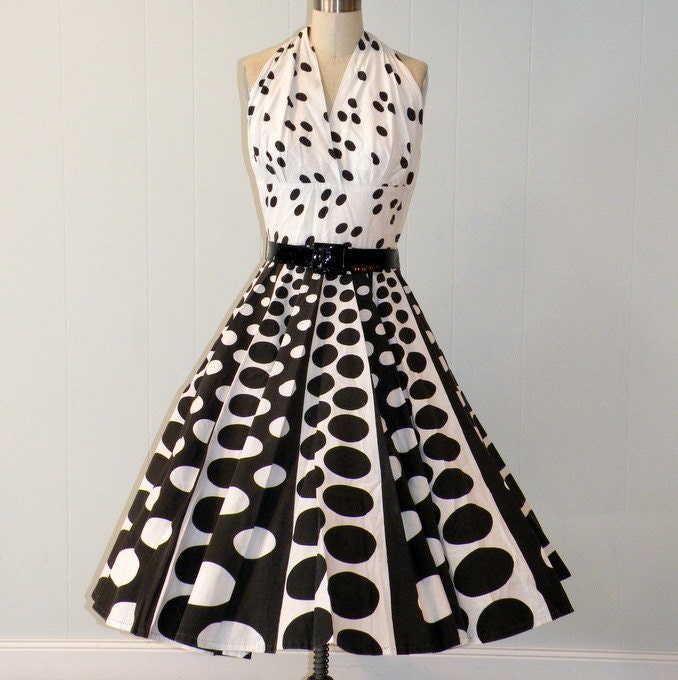 Vintage 50s Black and White Polka Dot Plunging Halter Formal Cocktail Garden Wedding Party Sun Dress, Full Circle Swing Skirt, Black Patent Leather Belt, Toni Todd Original, So Marilyn