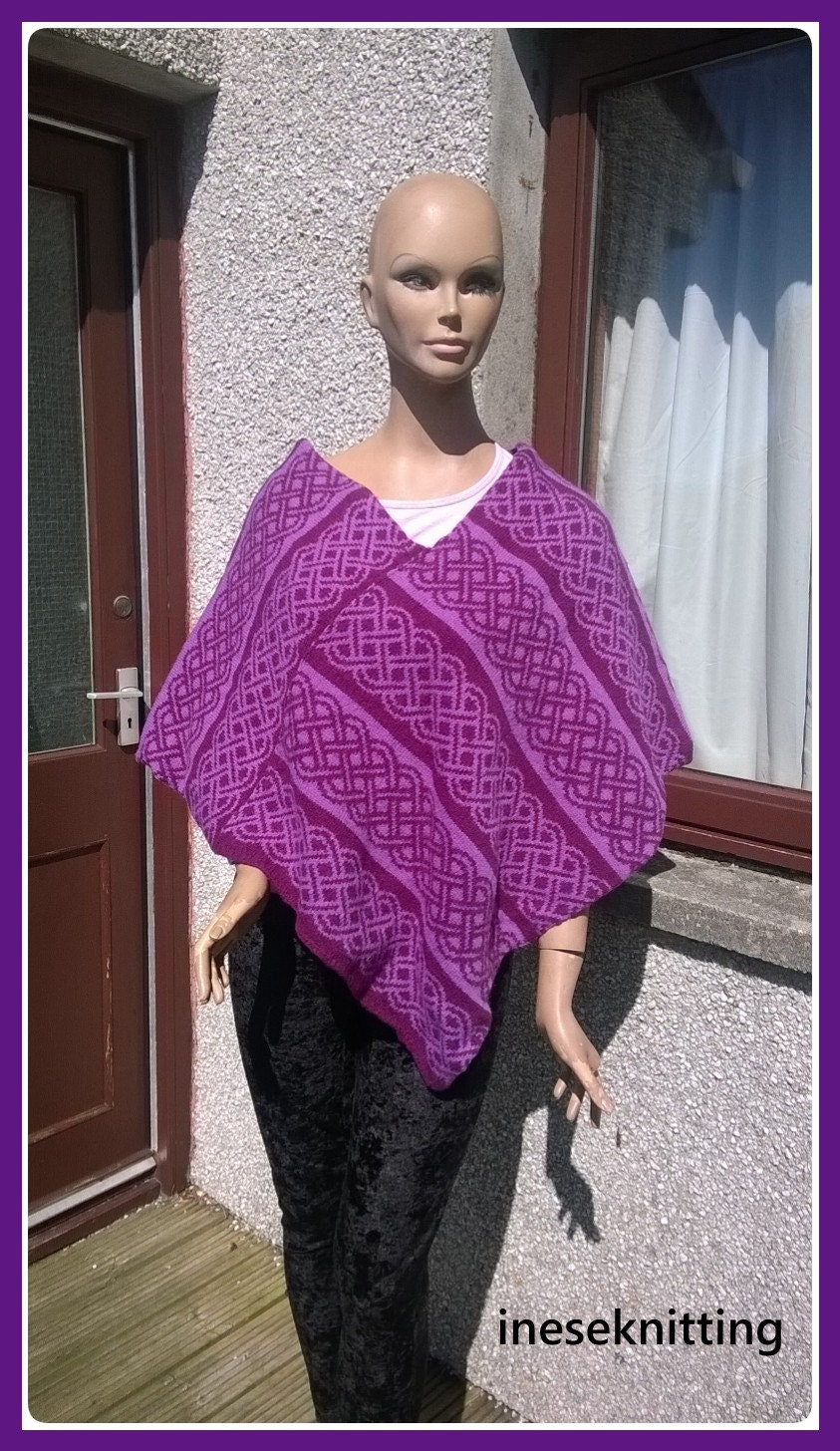 25 offfree shipping to UK onlyLadies cape Poncho from Shetland Wool. Celtic motif.Made in Shetland