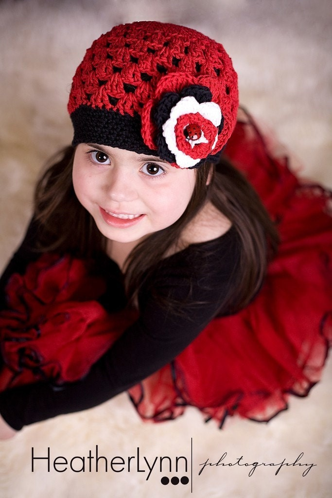 THE LADYBUG  Crocheted Beanie  Size  5-Preteen  Red   Black    White