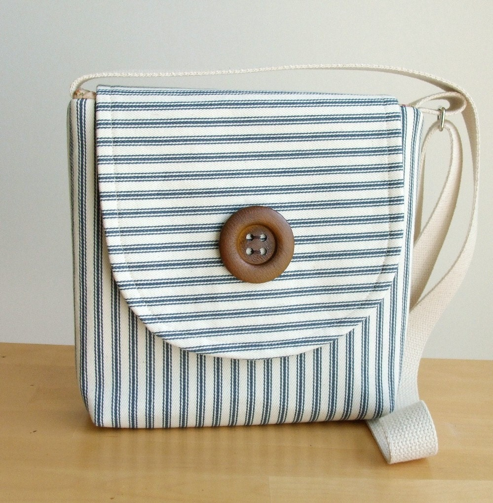 A Seaside Cross Body Satchel