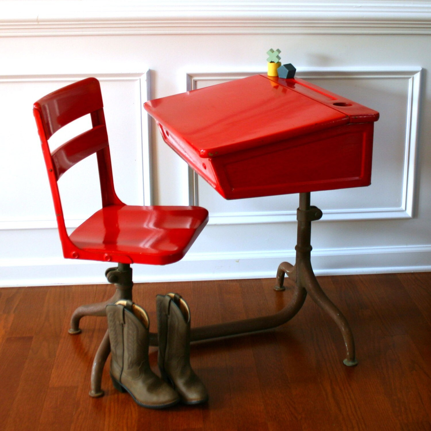 Inspired Learning. Vintage School Desk and Chair. Metal. Wooden. Fire Engine Red Elementary. Vintage Antiques by Rhapsody Attic on Etsy.