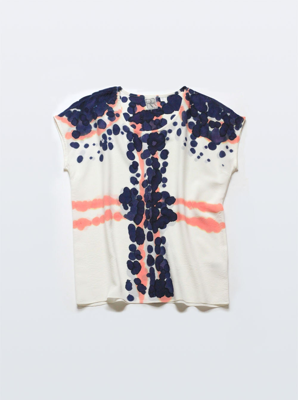 Silk Tee Mimic Dot in Coral & Raven Blue