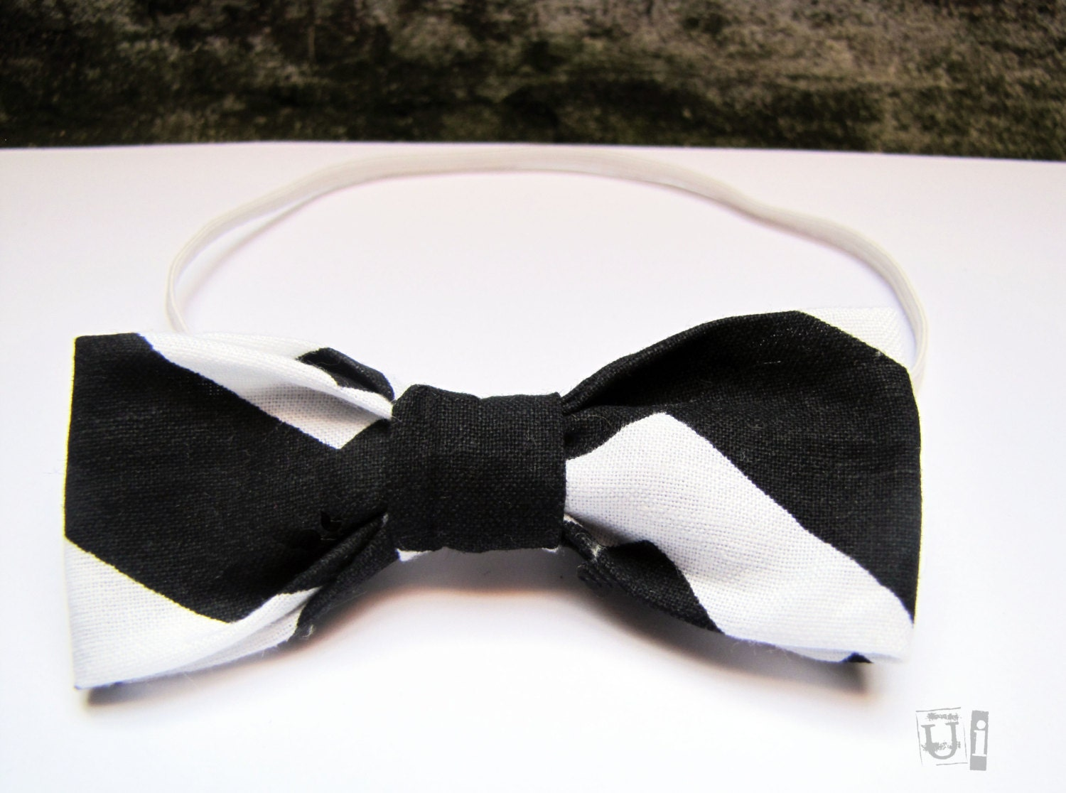 Black and White Chevron Bow Tie