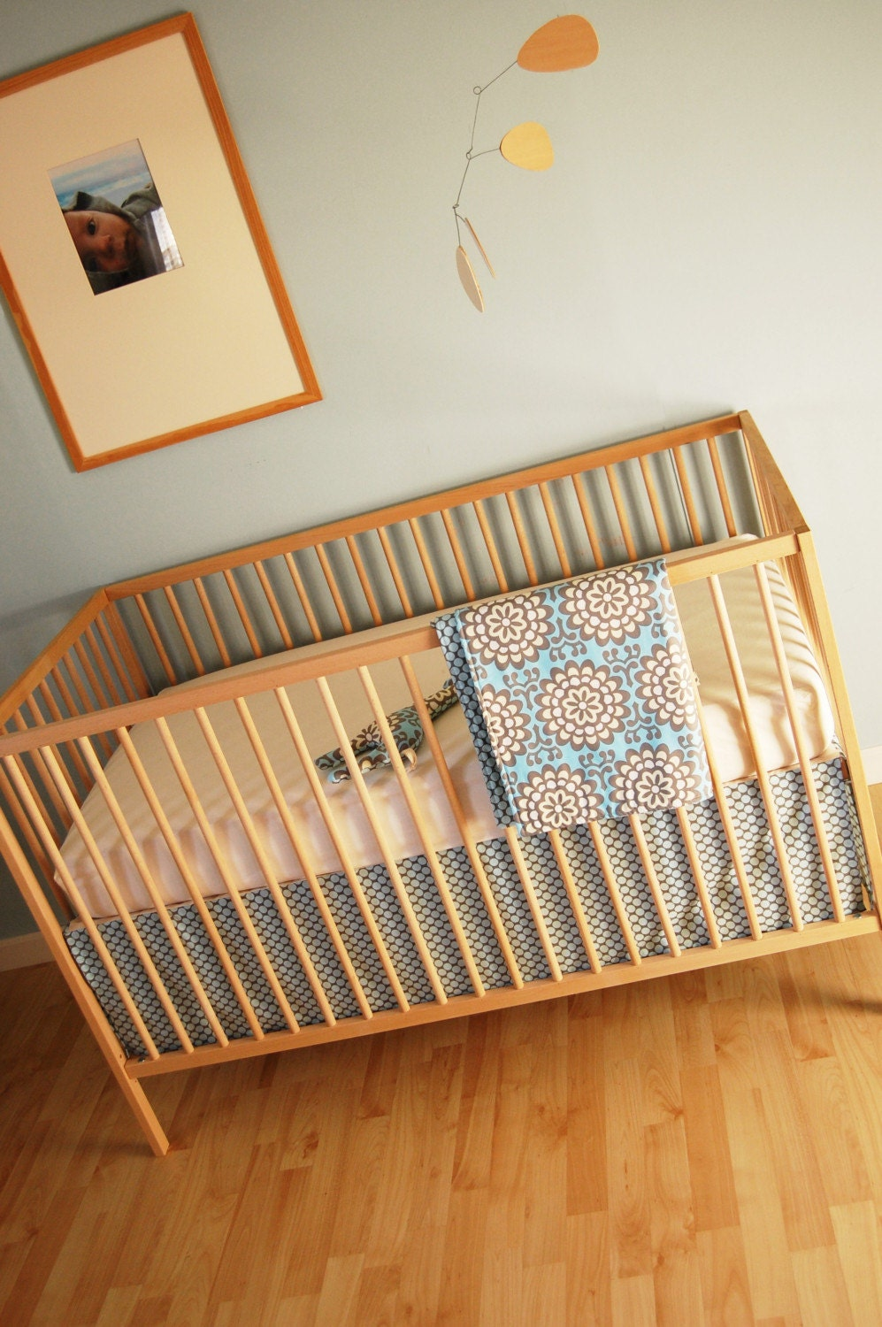 crib set. slate dots and wallflower