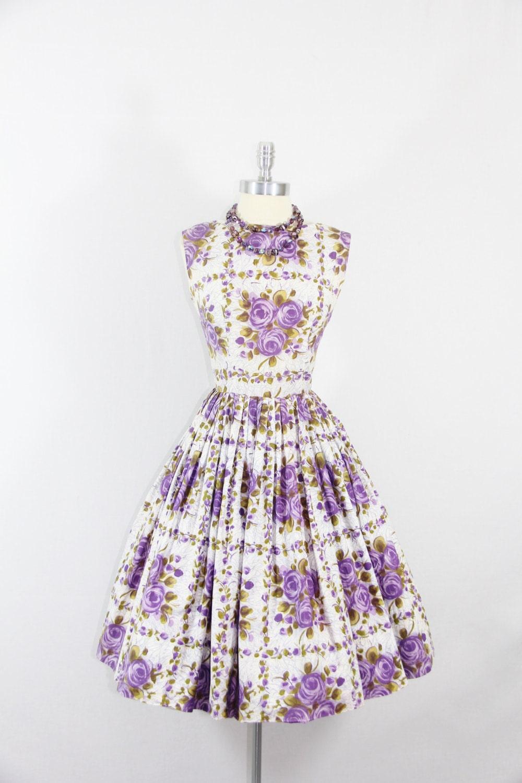 1950s Vintage Dress - Cotton Sundress - Novelty Print PURPLE ROSES Cotton Dress