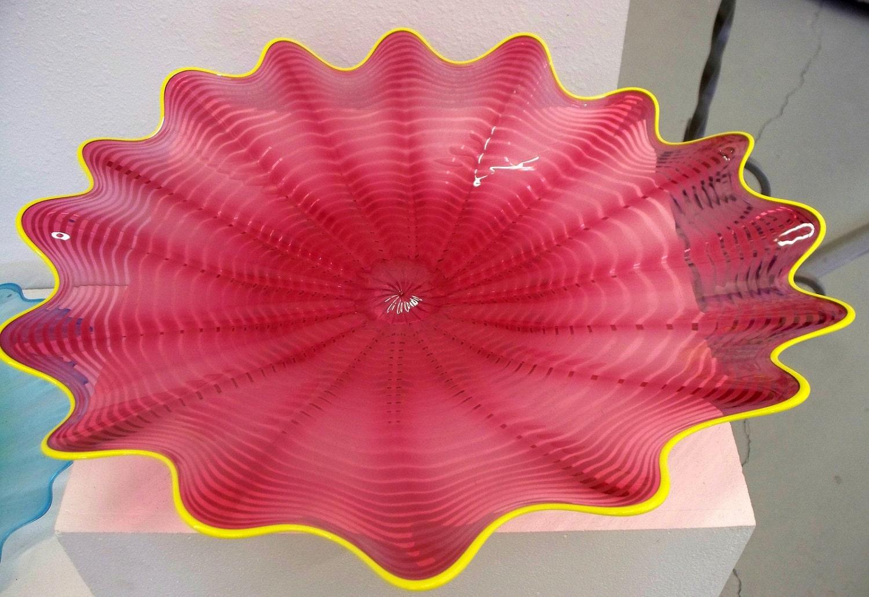 Beautiful Hand Blown Glass Art Wall Platter Pink Rose Spiral Wrap 1921