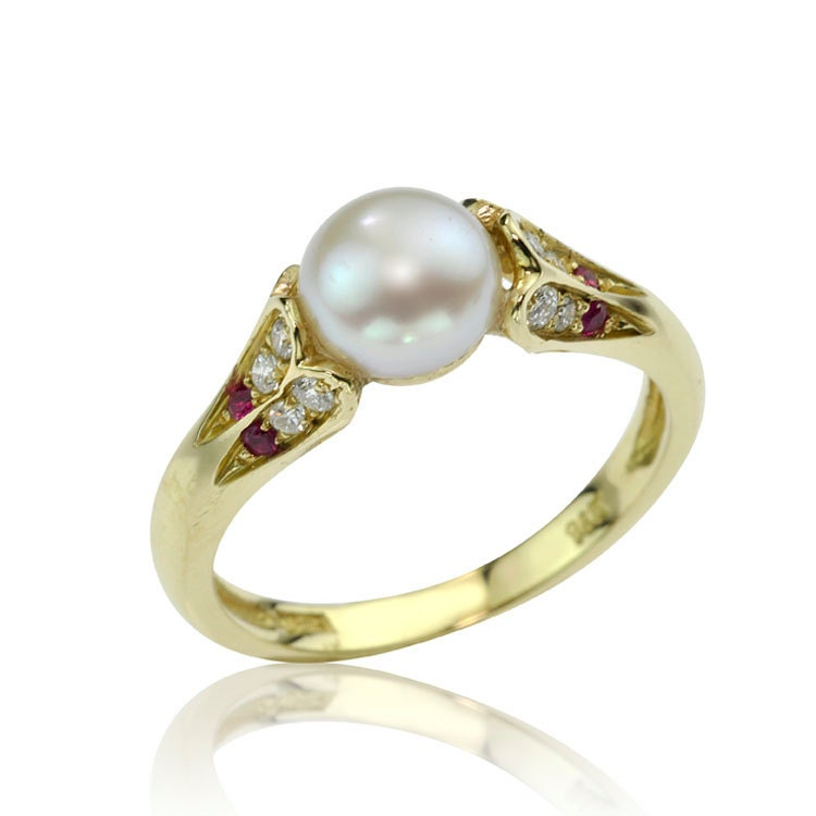 Antique Style Pearl 18K Gold Engagement Ring by netawolpe on Etsy