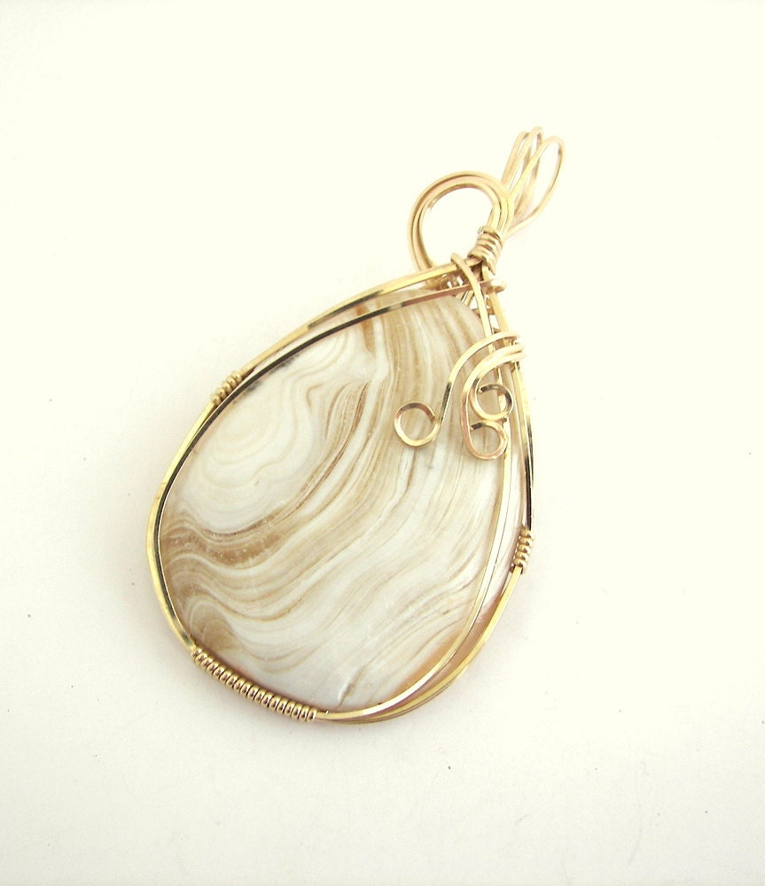 Agate Pendants on Gold Wrapped Creamy Agate Pendant By Desertshinejewelry On Etsy