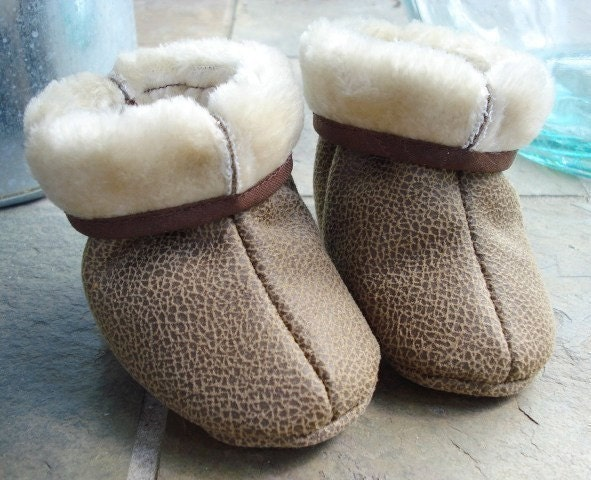 SALE - PDF ePATTERN - Fur Lined Boots for Babies