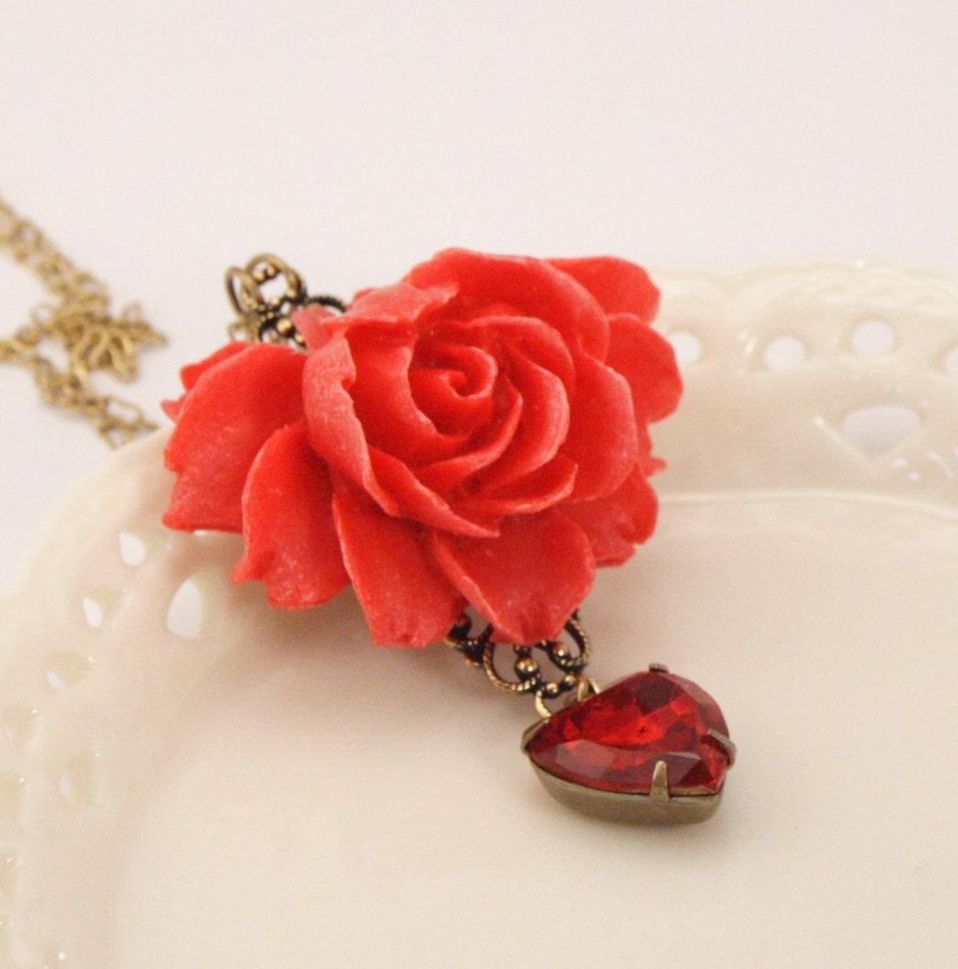 Vintage Heart Vibrant Red Rose Necklace