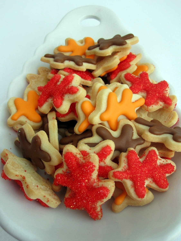 ITTY BITTY Bite Size OAK LEAF Sugar Cookies, 8 DOZEN NEW ITEM