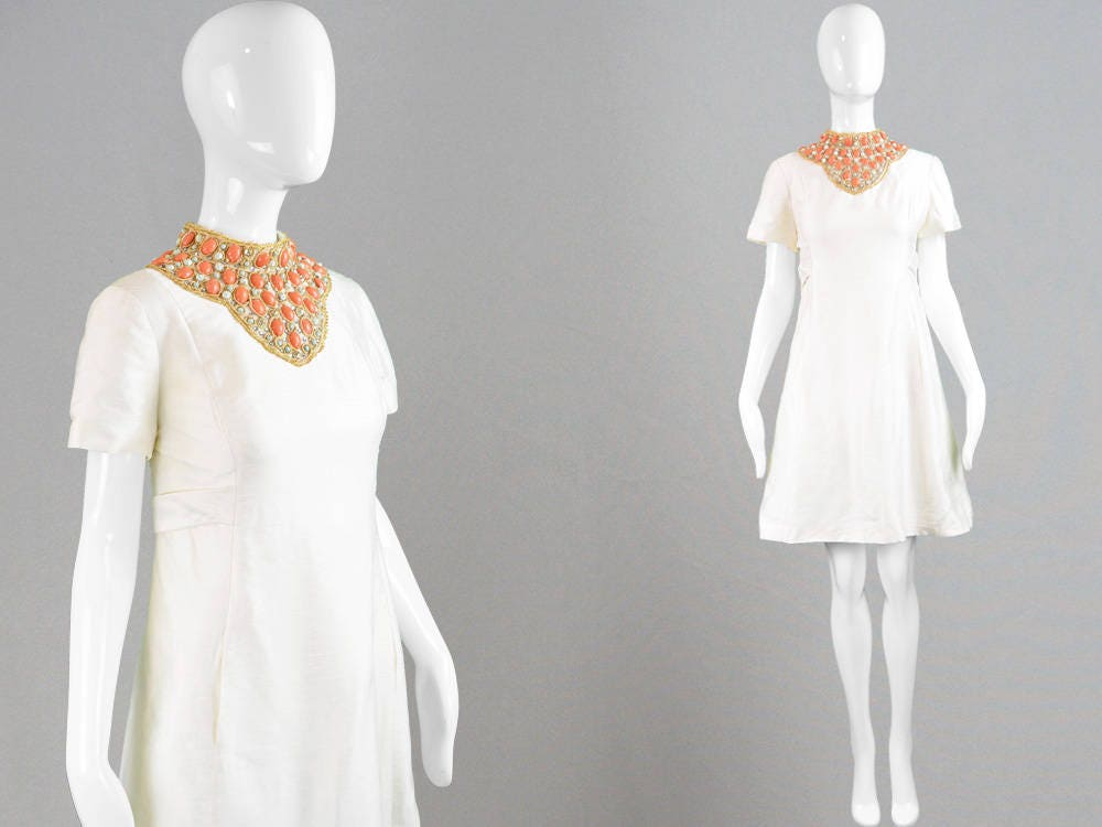 Vintage 60s GINO CHARLES Silk Shift Dress Beaded Neckline Mod Wedding Dress 1960s Party Dress Cocktail Dress Short Evening Dress Embellished