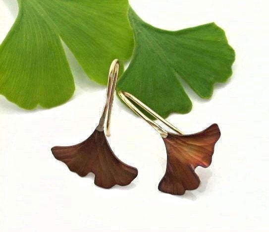 how to make a leaf man