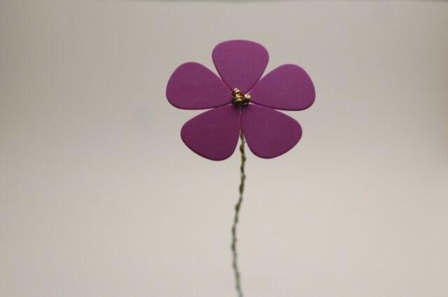 Purple Daisy - guitar pick flower