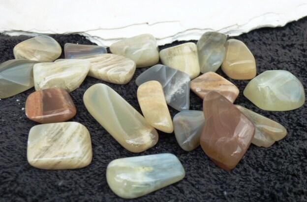 5 Small/Medium Tumbled Moonstone