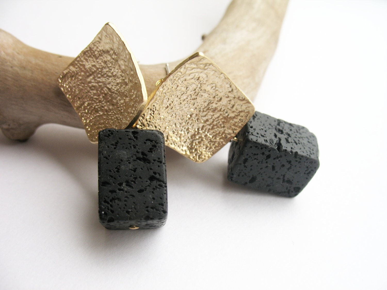 Earrings studs with natural black lava - DemyBlackDesign
