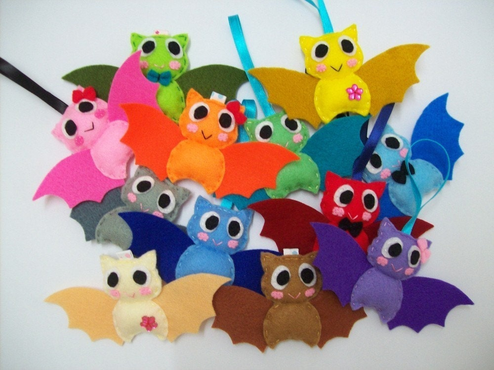 Cute Halloween Ornament/Keyring/Plush/Brooch - Bat
