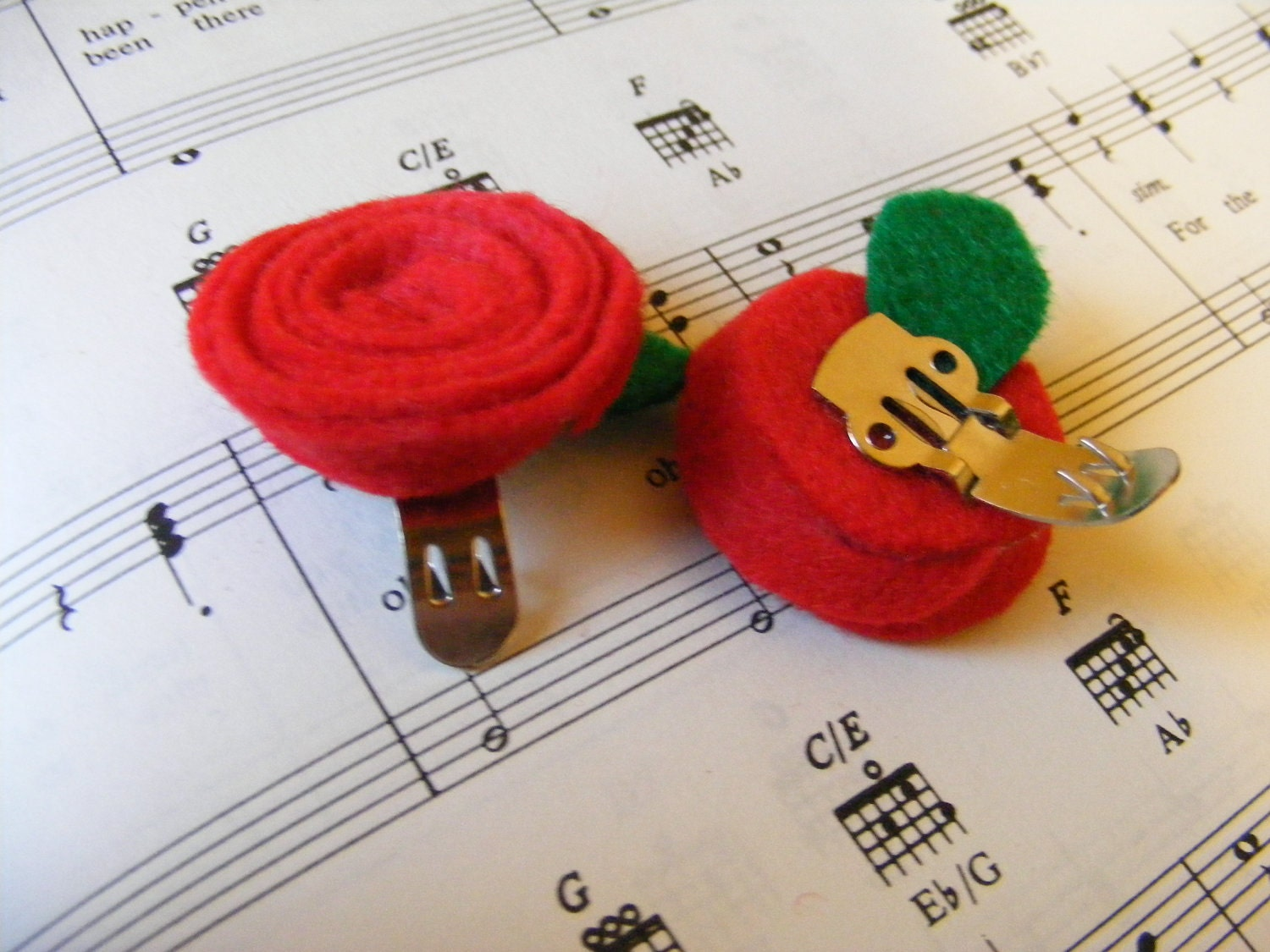 Shoe Clips Red Roses