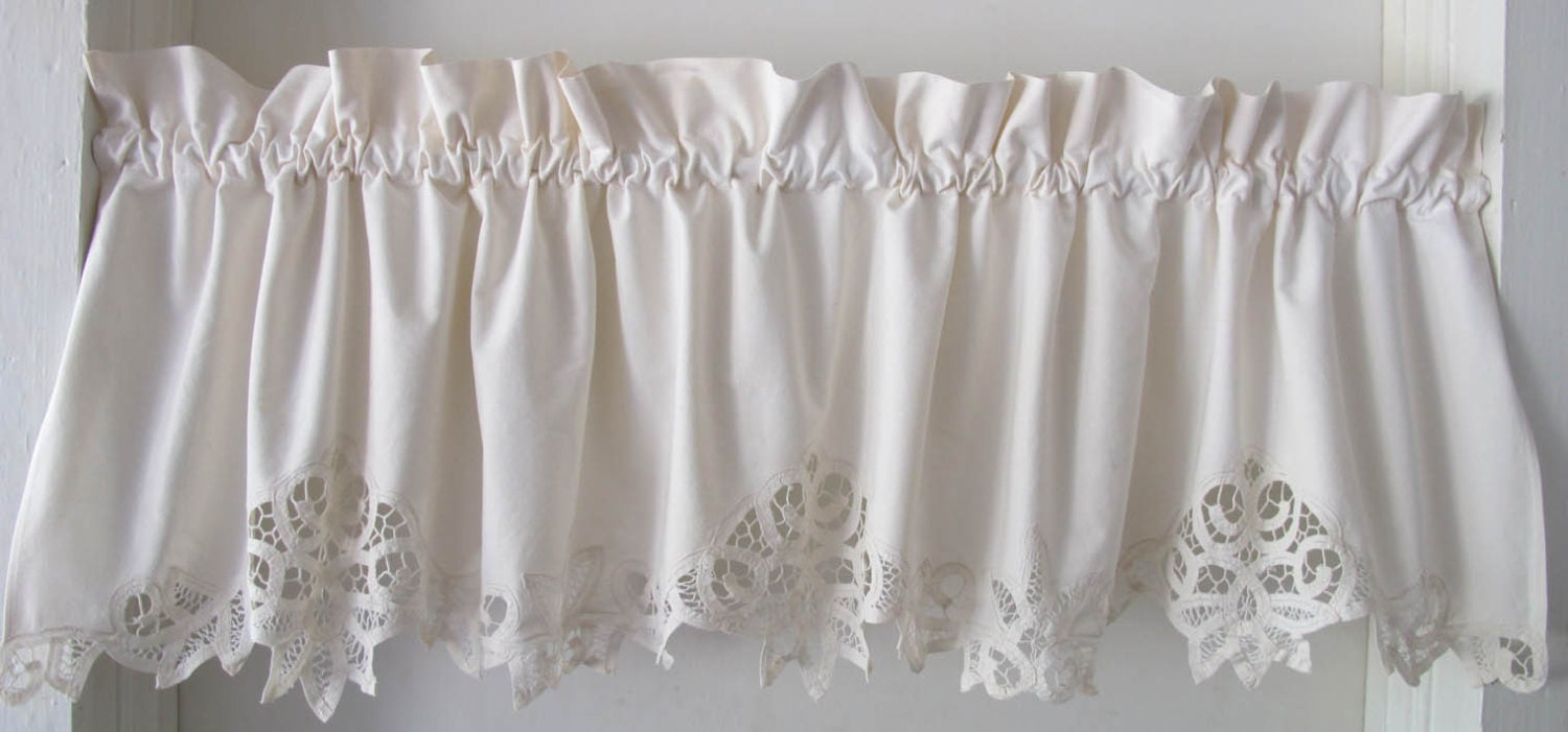 muslin cotton battenburg valance ruffled header by bettyandbabs