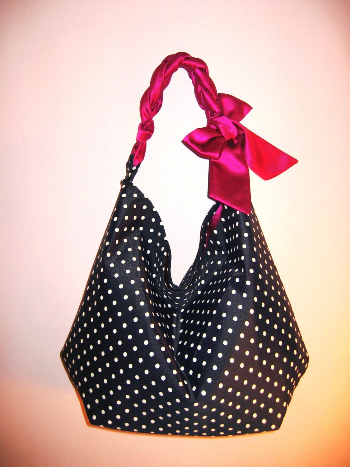 angie tote in navy blue with white dots with magenta