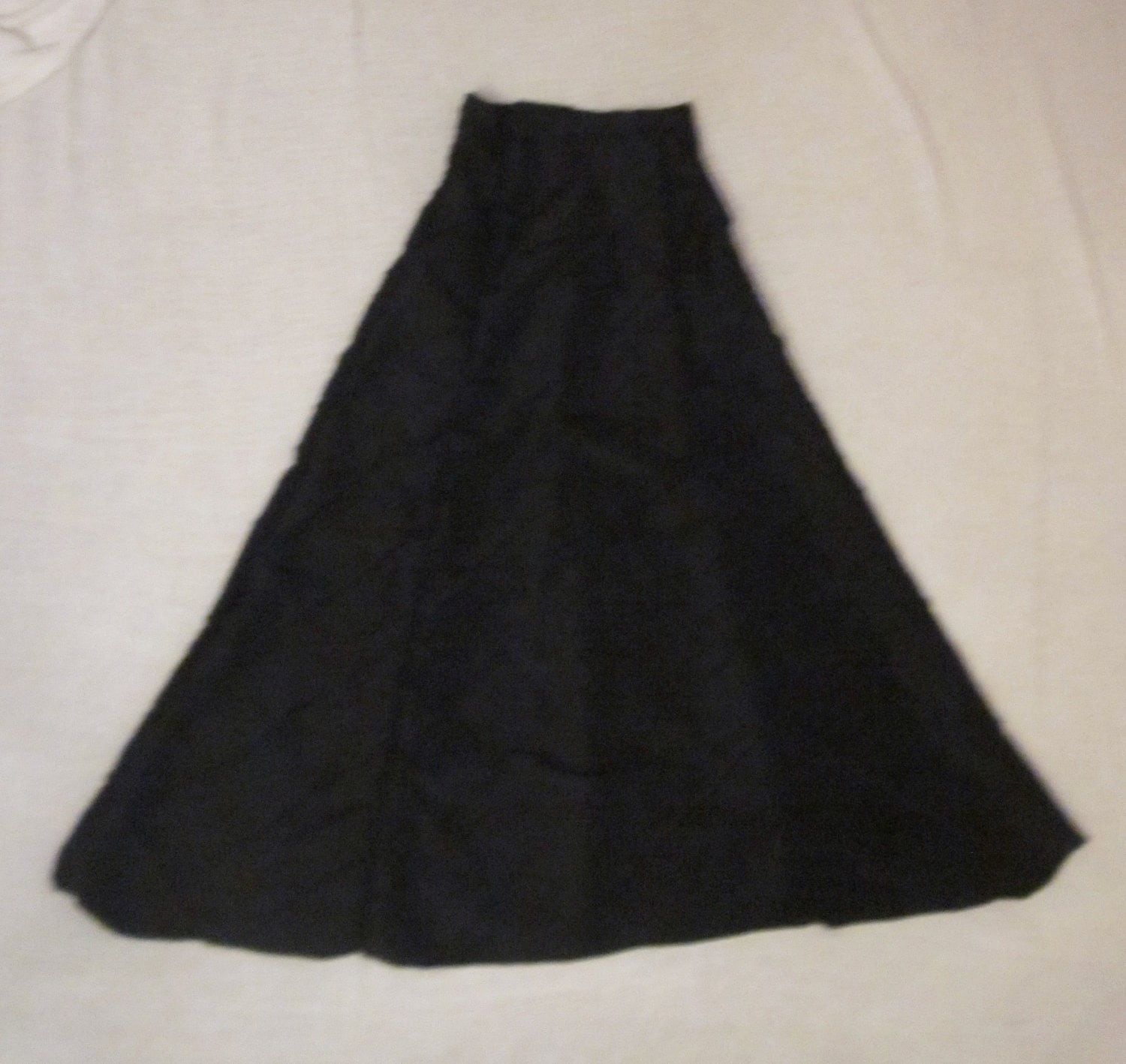 Lularoe XS Extra Small Maxi Floor Length Skirt Tribal Black White Condition is New with tags. Shipped with USPS Priority Mail. Women's Plus Size Floor Length Black Skirt Size 16W Larry Levine Woman. $ 0 bids. It has two elastic sections on the back sides and a clasp and zip closure on the left side. It is 36