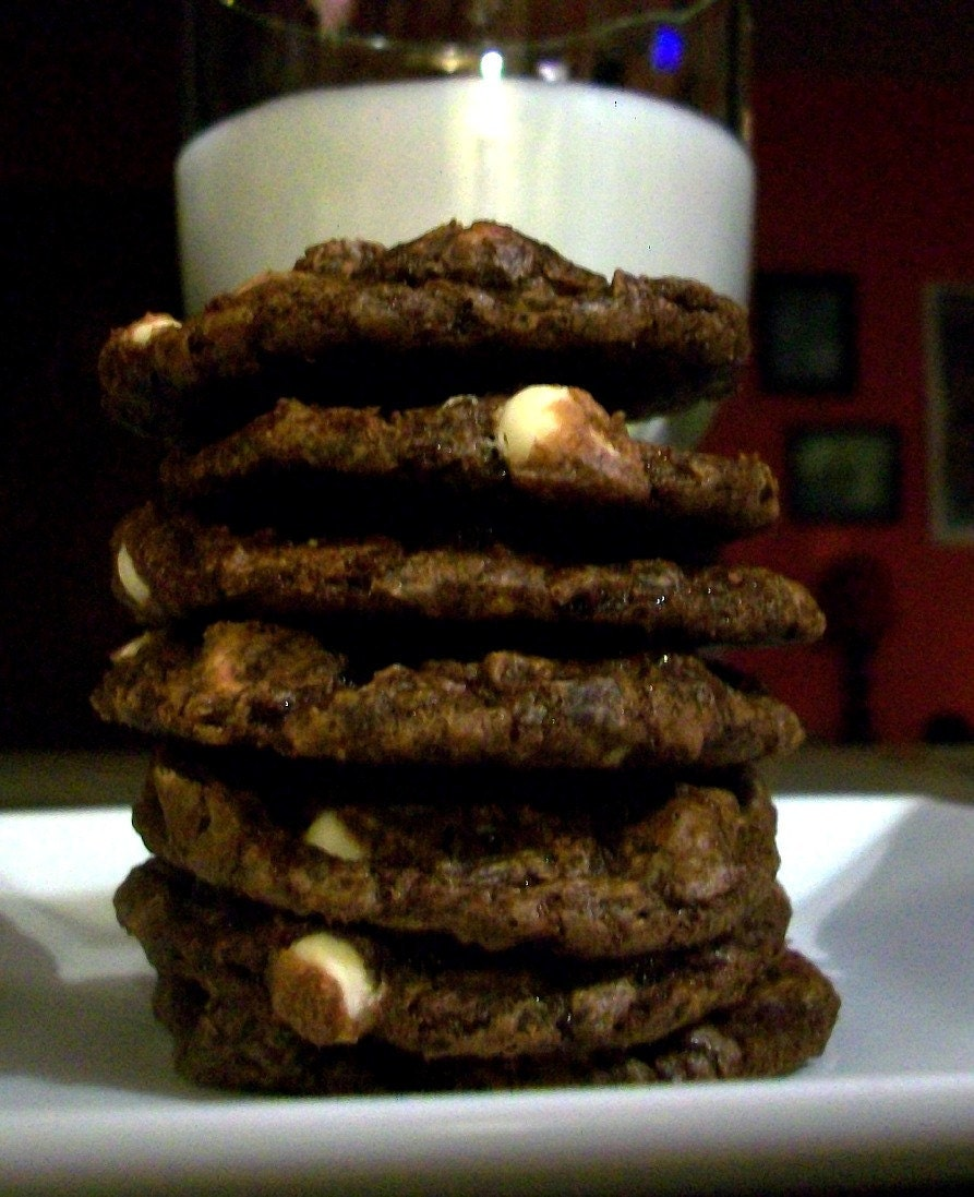 Vegan Chocolate Crackle Cookies with White Chocolate Chips and Dark ...