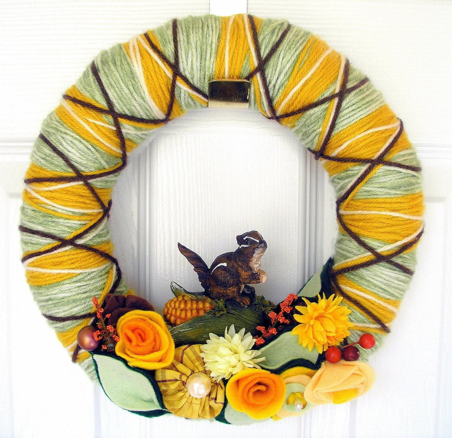 Argyle Chipmunk Autumn Yarn Wreath by KnockKnocking on Etsy