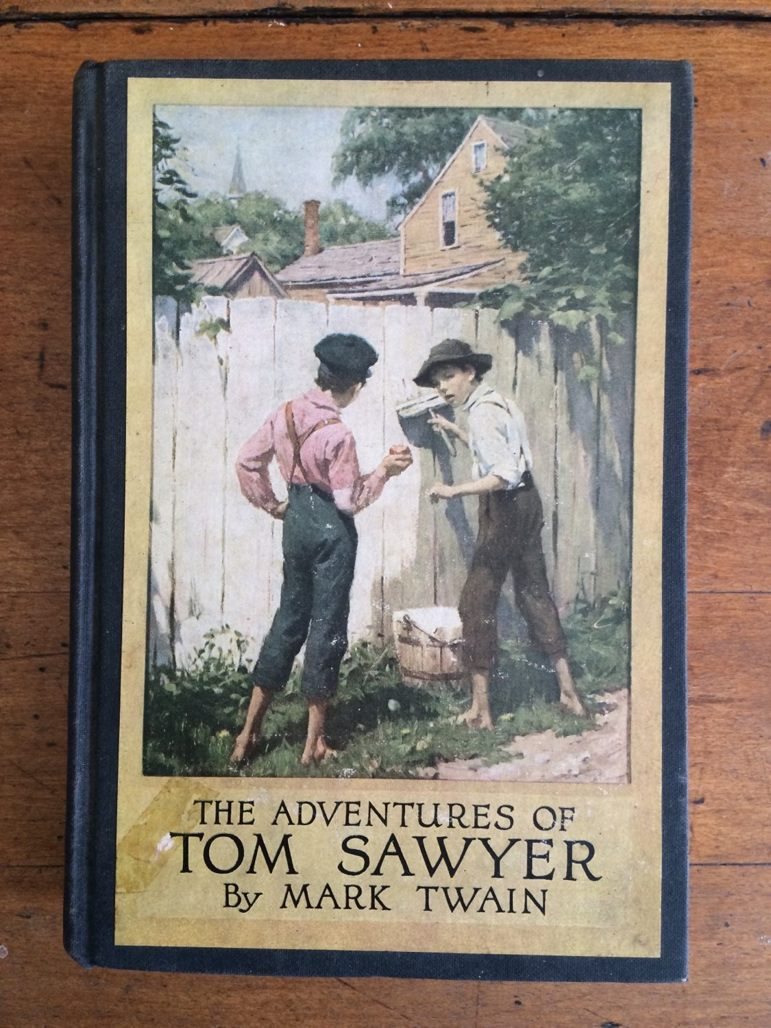 Mark Twain  Tom Sawyer  1930s childrens book  American Classic  Huckleberry Finn  1800s novel