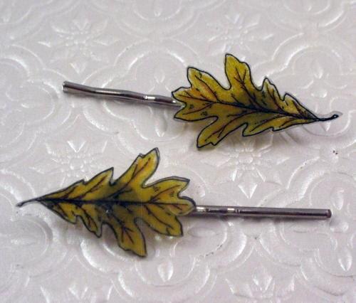 Golden oak leaf illustration barrette hair pin pair - MoiraCoon