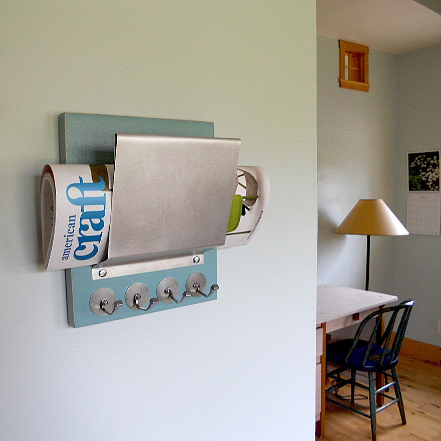 SODA:  retro modern mail letter holder