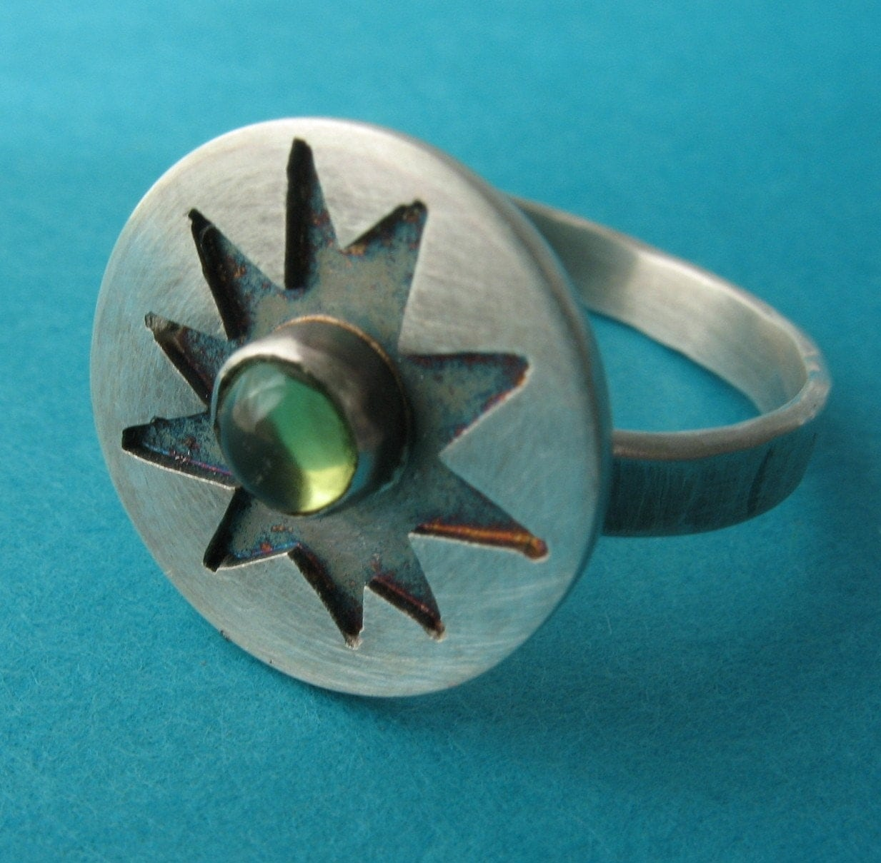 Small Starburst Ring with Peridot
