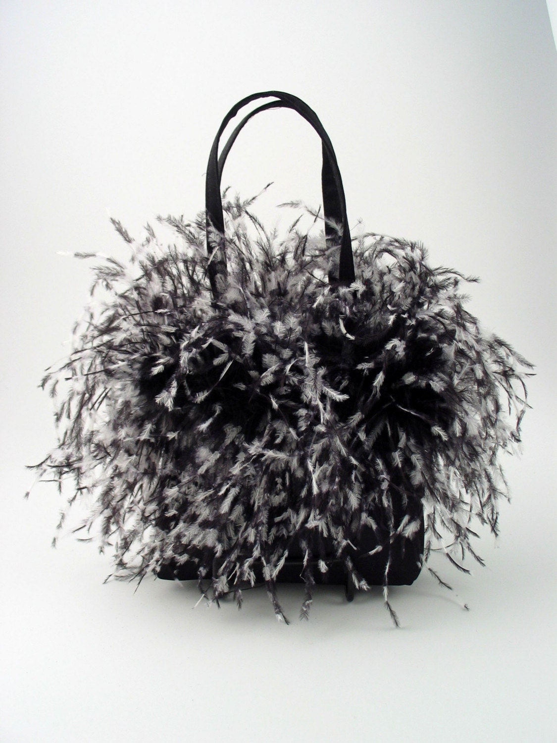 BLACK AND WHITE OSTRICH FEATHER PURSE HANDBAG