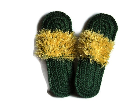 ON SALE NFL Team Slippers - Green Bay Packers - Slip on Flip-Flops with Furry Embellishment - Show your Team  Support