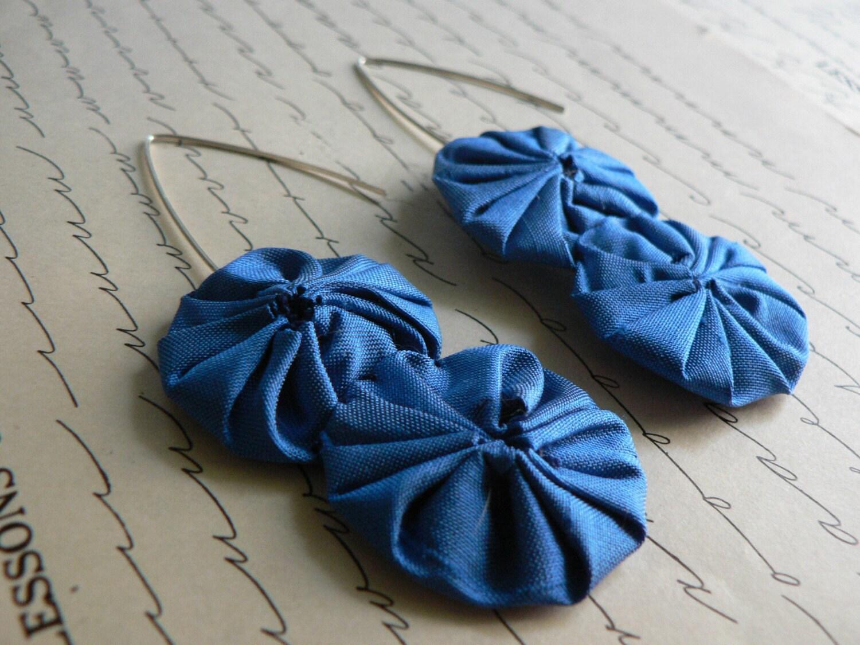 electric blue yo-yo earrings