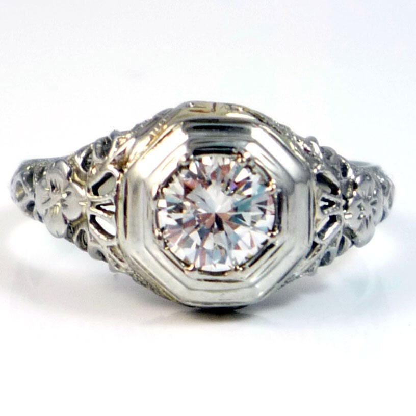 18K Antique Art Deco Diamond Filigree Engagement Ring