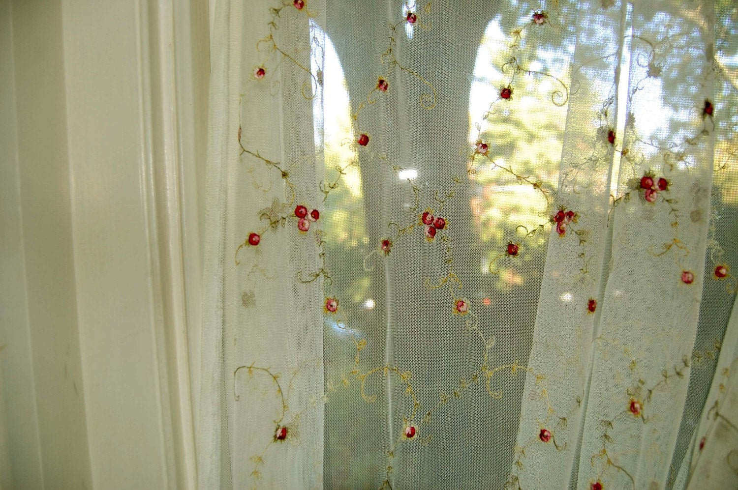 vintage romantic net curtain with rosebud by mamaleanne22 on Etsy