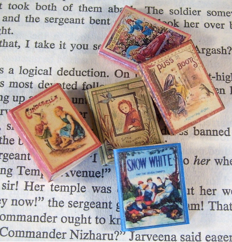 Items similar to miniature book set fairy tale set of 5 books set a on etsy - The dollhouse from fairy tales to reality ...