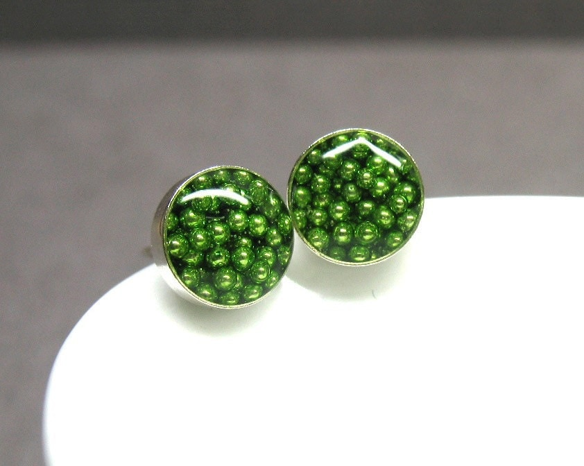 Sterling silver and resin posts earrings green by AnnieLesperance