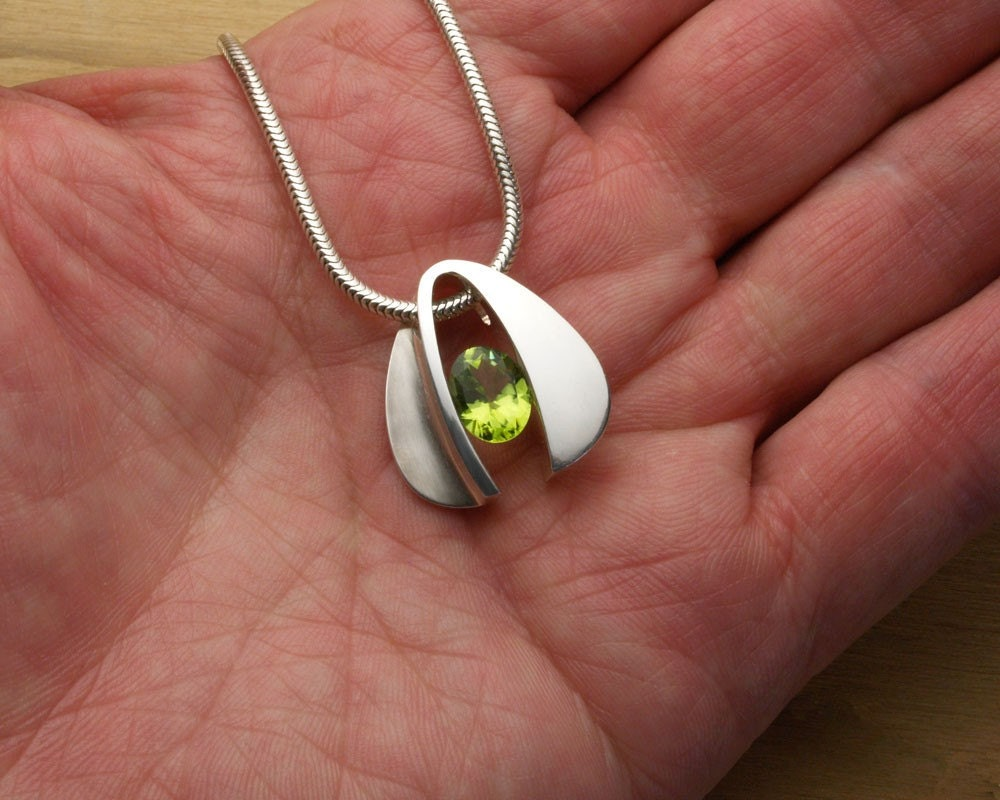 argentium silver and peridot pendant