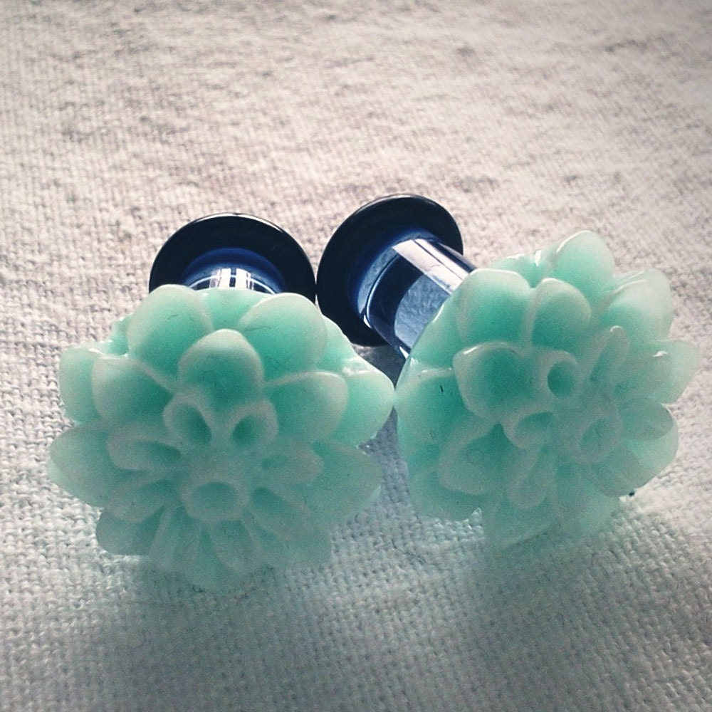 2g 6mm Plugs Light Blue Chrysanthemum Dahlia by Glamsquared from etsy.com