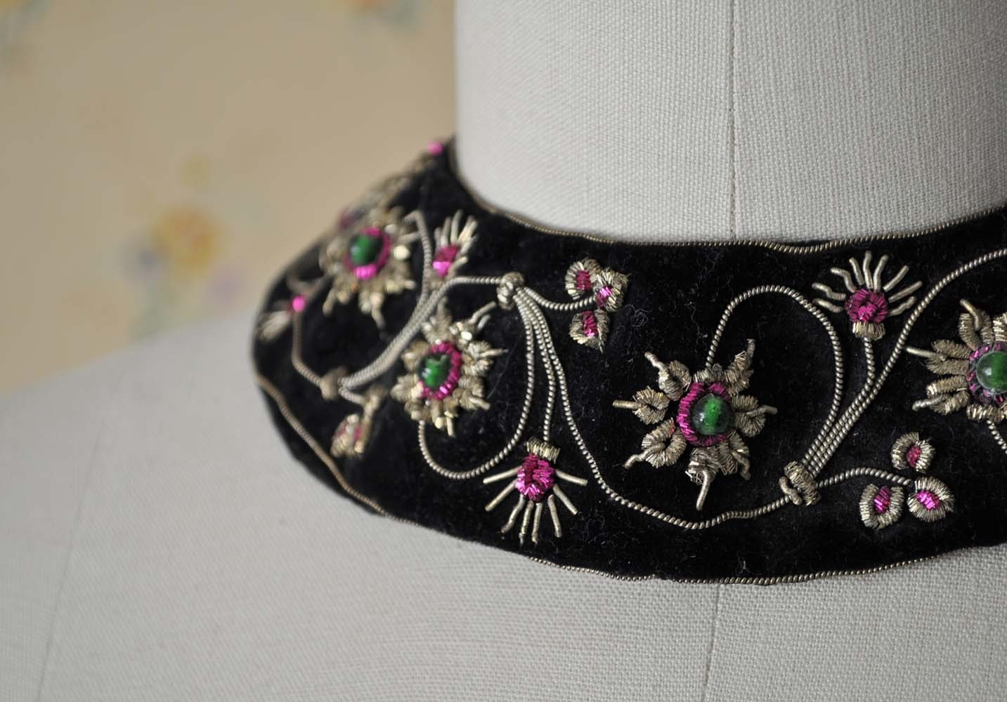 Vintage DECO Gold Embroidery Collar by MariesVintage on Etsy from etsy.com
