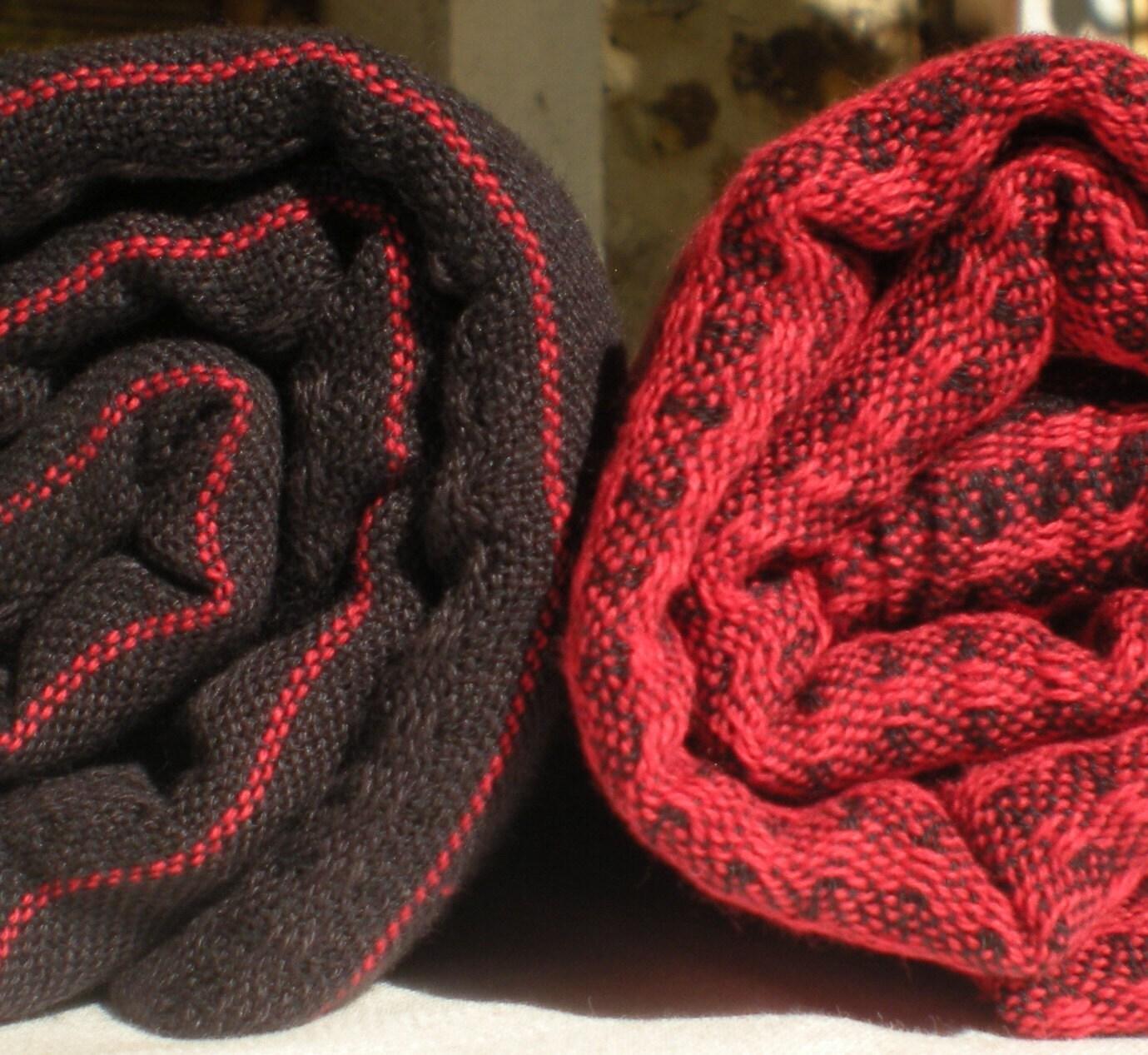 black and red peshtemals