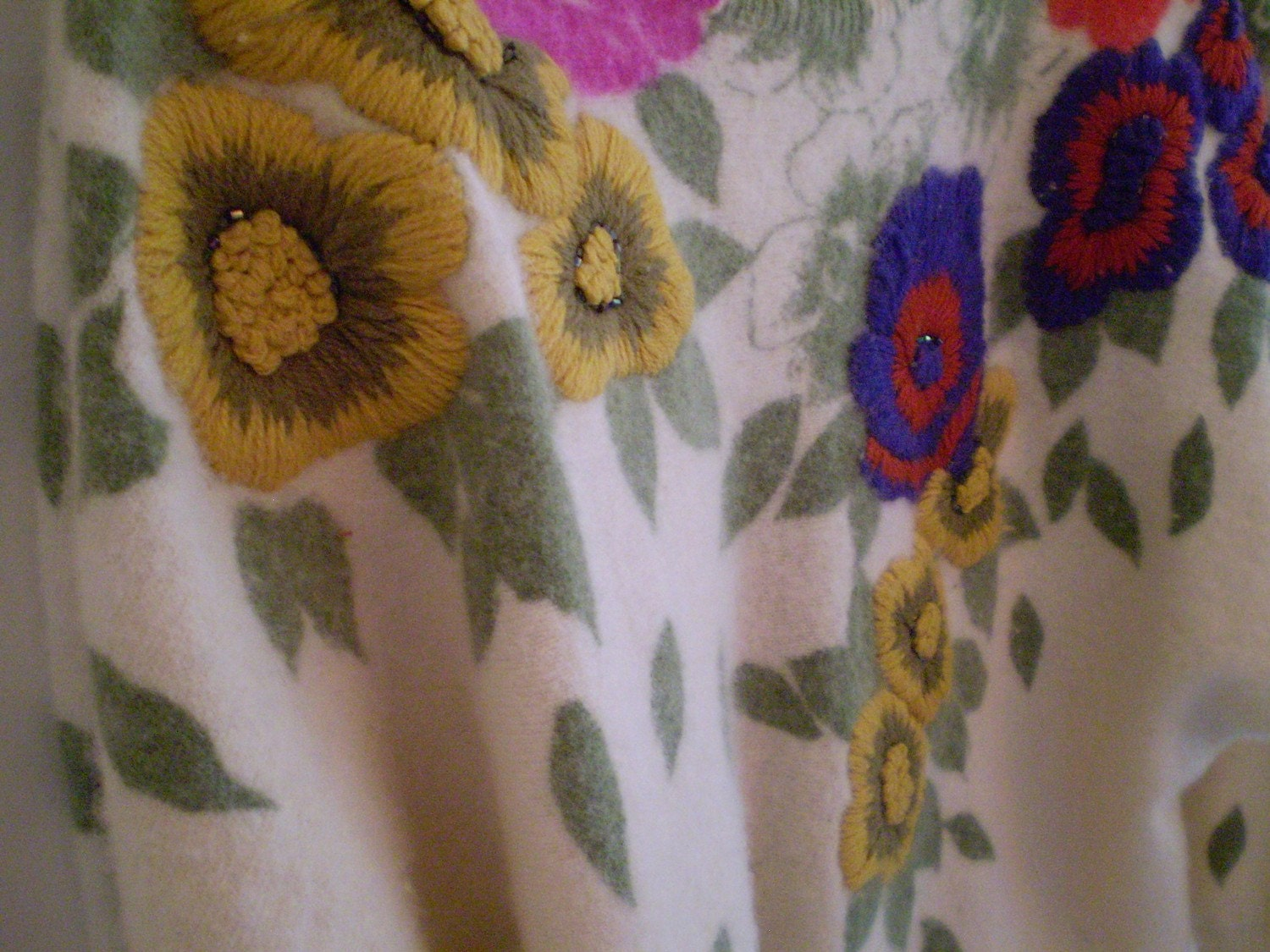 1950s Creme Sweater with Embroidered Flowers
