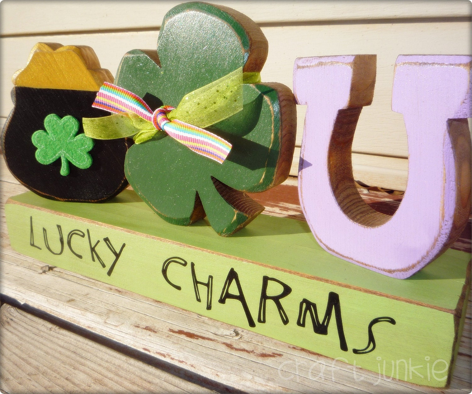 Lucky charms, pot of gold, four leaf clover and horseshoe decoration