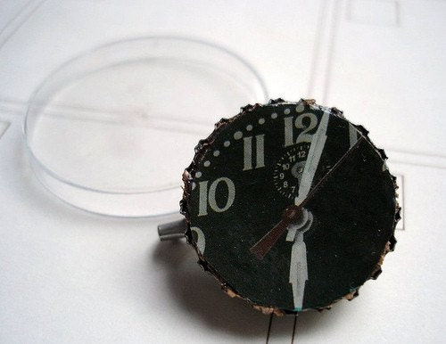 Ticking Clock Bottlecap Brooch