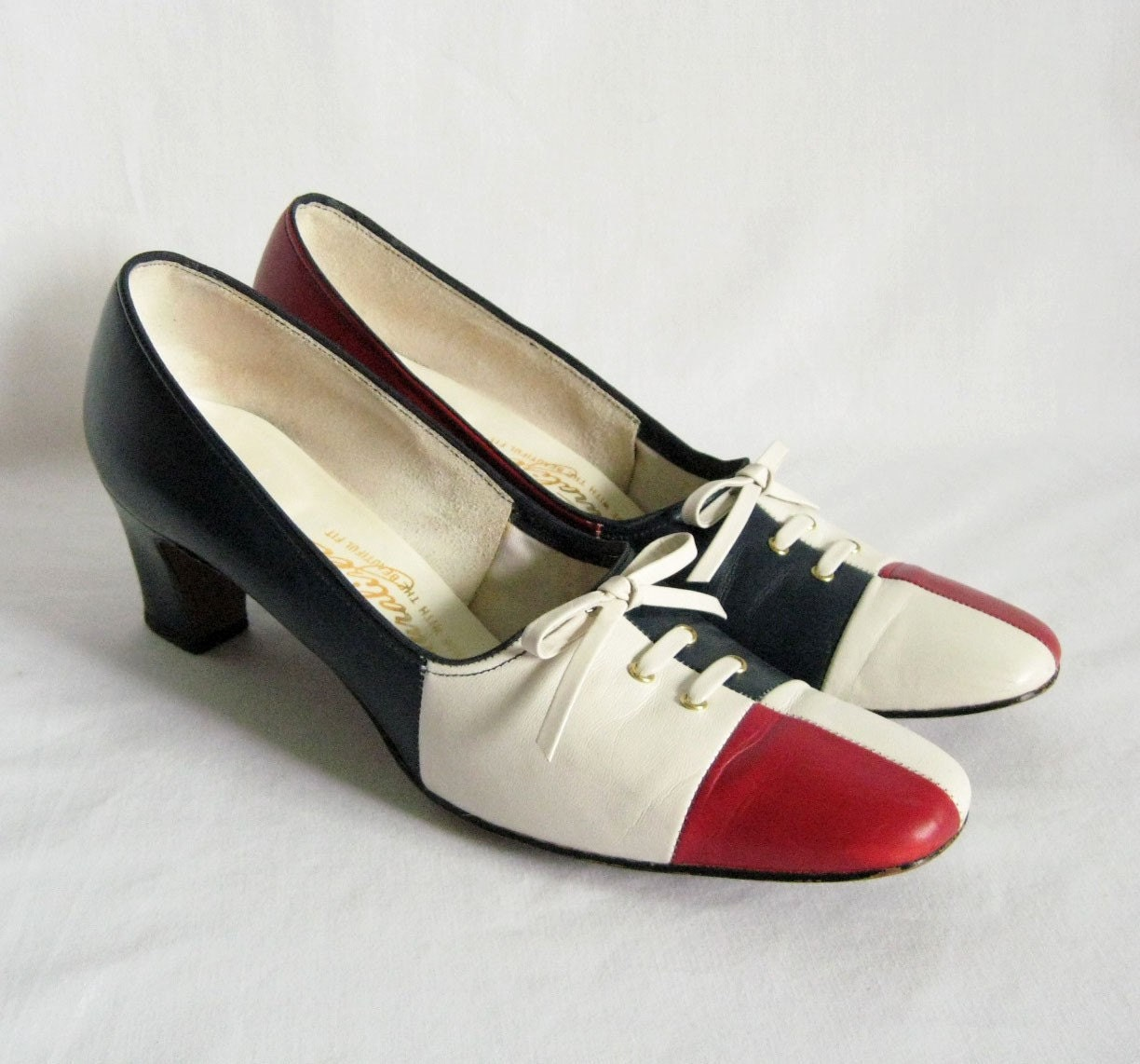 Vintage Shoes Heels Red White and Blue Size 7 AAA